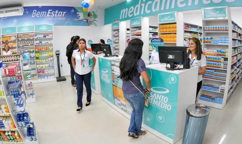 Após pico de demanda em março, IQVIA aponta retração do varejo farmacêutico em abril