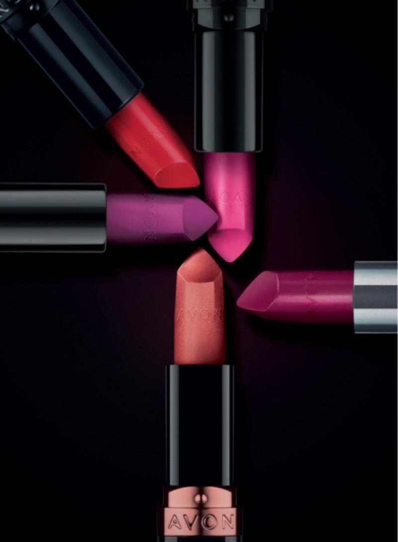 Batons ULTRA Avon: Linha mais vendida da marca é reformulada e chega em 60 cores