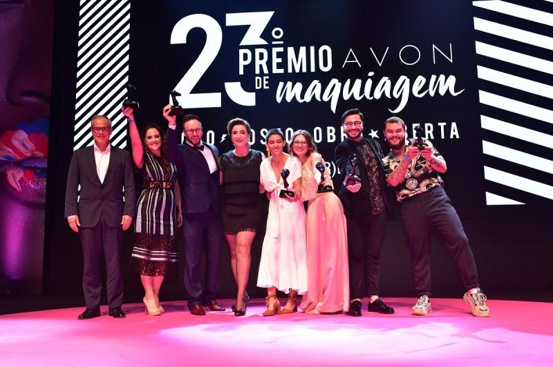 Com a presença de celebridades, Avon apresenta os vencedores de seu tradicional prêmio de maquiagem