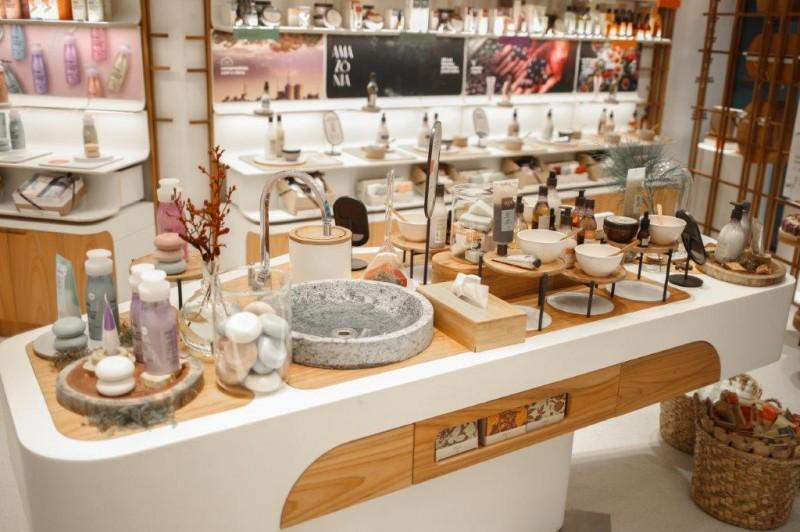 Com alta de 0,8% no 1º semestre, indústria cosmética está otimista para os próximos meses
