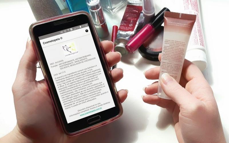 Cosmetopeia, do Instituto Harris, avalia segurança de quase três mil ingredientes de cosméticos