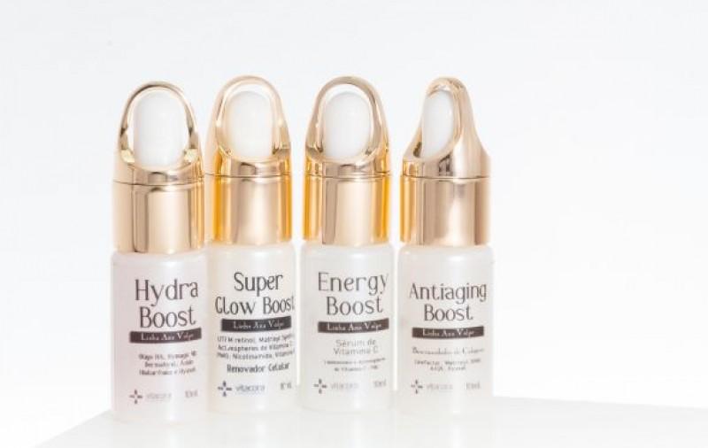 Em parceria com farmacêutica Ana Volpe, Vitacora lança linha de skincare de Hibisco
