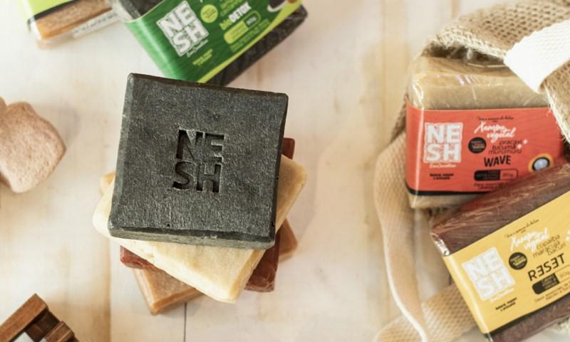 Marca Nesh de cosméticos veganos e naturais lança loja virtual