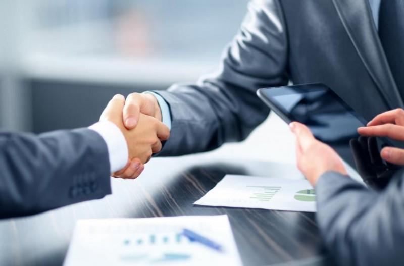 QuantiQ firma duas novas parcerias de distribuição para segmento cosmético
